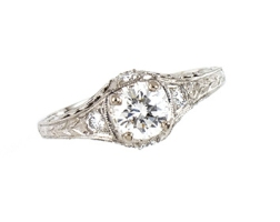 ring-diamond-center